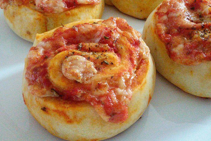Girelle salate con pomodoro, origano e formaggio - Fidelity Cucina