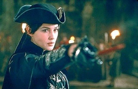 Still of Monica Bellucci in Brotherhood of the Wolf