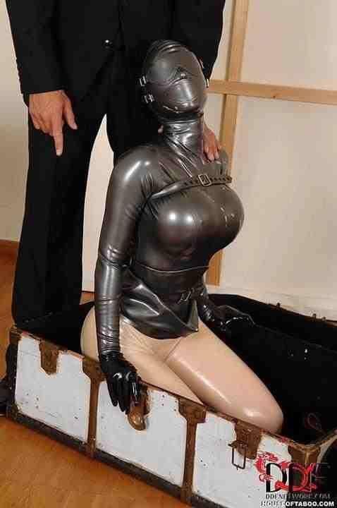 latex klänning massör göteborg