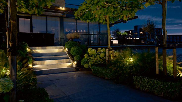 Tuin   Dakplantaan   buitenverlichting   Staande lamp FISH EYE   trap uitgelicht door FISH EYE WALL