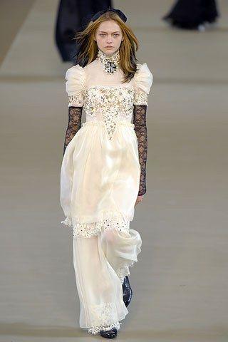 Chanel Fall 2006 Ready-to-Wear Fashion Show - Sasha Pivovarova