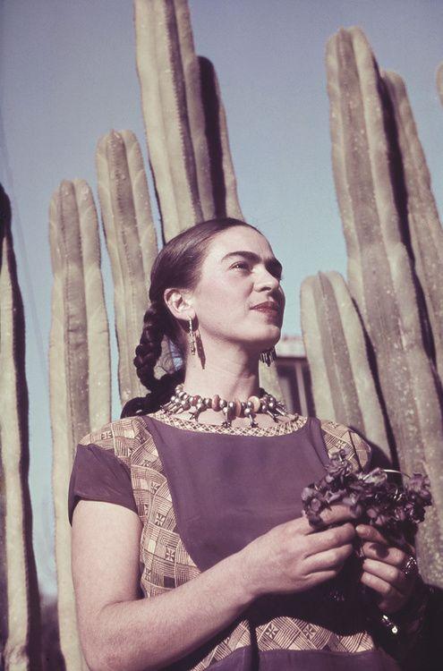 """""""Tú mereceslomejorde lomejor,porque tú eresuna deesas pocas personasque, eneste mísero mundo siguen siendo honestas consigo mismasy esaes laúnica cosaquerealmente cuenta."""" Frida Kahlo"""