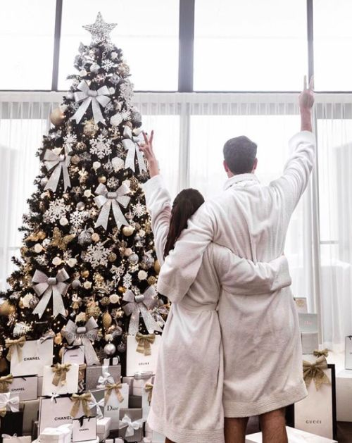 Christmas / Holidays / Love / Couple  / Christmas Tree  #holiday #christmas #love