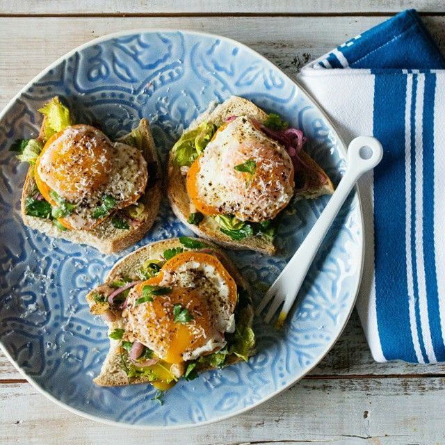 Bell Pepper Egg Toasts With Fresh Herb Salad