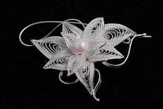 Bon Paphatsarang--filigree brooch