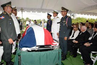 Armario de Noticias: Con honores militares y resaltando sus aportes sep...