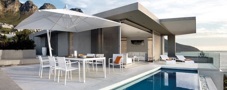 Perfect Dining/Pool Space along the Cape Town Eastern Seaboard