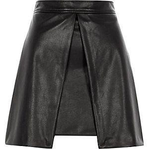 Black faux leather front split mini skirt