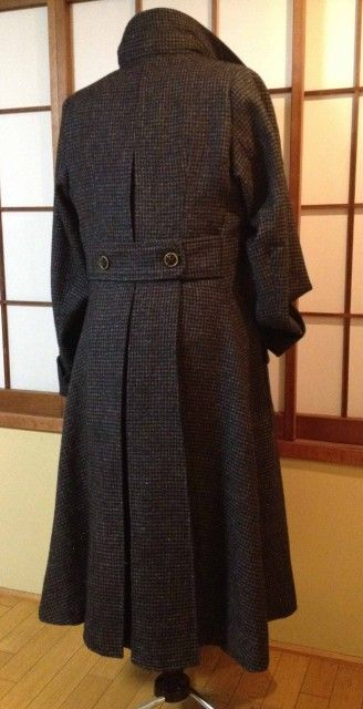 Someone made a Sherlock Coat!!! - jessamygriffin - A Study in Coat - Finished