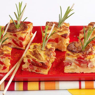 Découvrez la recette Tortillas aux piquillos et chorizo sur cuisineactuelle.fr.