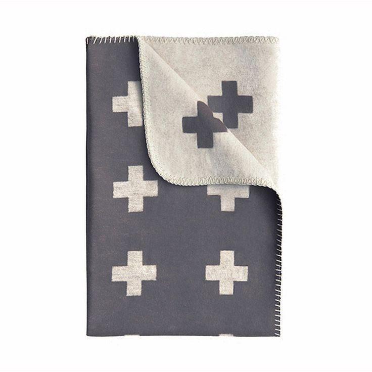 top3 by design - Pia Wallen - cross blanket grey mini