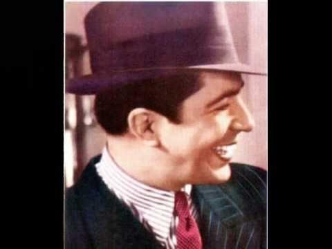 Carlos Gardel - Yira Yira -Tango  Como le gustaba esta cancion a mi papa ... <3
