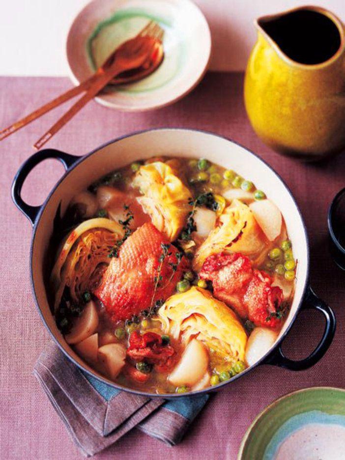 こんがり焼いた鶏肉とキャベツに、口の中でトローリとろけるかぶの甘み。|『ELLE a table』はおしゃれで簡単なレシピが満載!