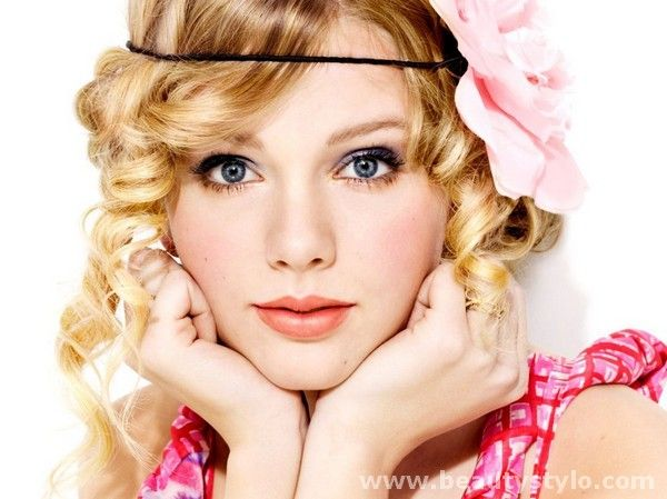 Oval face has its particular nature and makes your face more beautiful and charm if perfect makeup tips for oval face are used.
