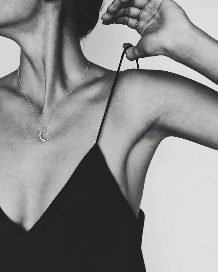 // @leahalx_jewelry  necklace #selfportrait