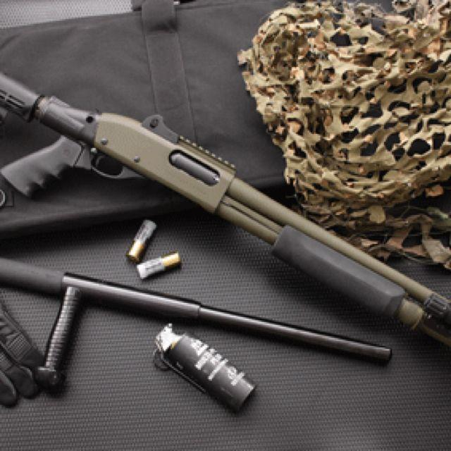 Remington 870 shotgun love. Find our speedloader now!  http://www.amazon.com/shops/raeind