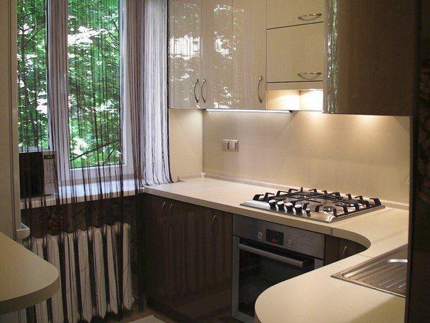 Оформление кухни 2,4 м (х) 2,4 м
