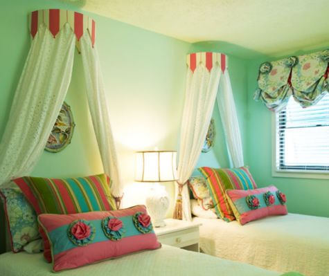 girls twin beds with canopy & 39 best NEW House - Girlsu0027 Bedroom images on Pinterest | Girls ...