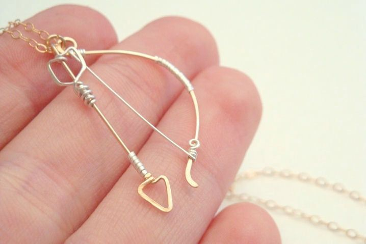 Archery bow and arrow necklace - Elven fantasy hunting weapon in ...