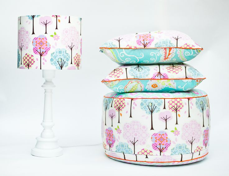 Puf Bajkowy Las, Projektant: Lamps&Co, Wartość: 249 zł, Radość z bycia matką: bezcenne. Powyższy materiał nie stanowi ofery handlowej