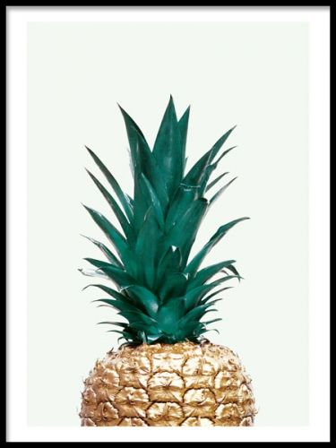 Art poster of gold pineapple on a light green background. A stylish and trendy print that gives the little extra to you home. For a personal touch, match with our other posters and prints in similar style. Desenio.co.uk