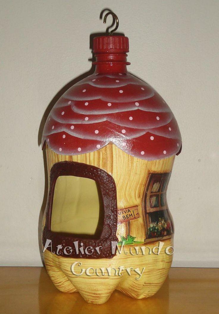 Tays Rocha: Casa de passarinho reciclando garrafas pet    Para @Suelen Cruz: Plastic Bottle, Garrafa Pet, Reciclando Garrafa, Pet Bottle, Passarinho Reciclando, Finch, House, Tay Rocha, Garrafas Pet
