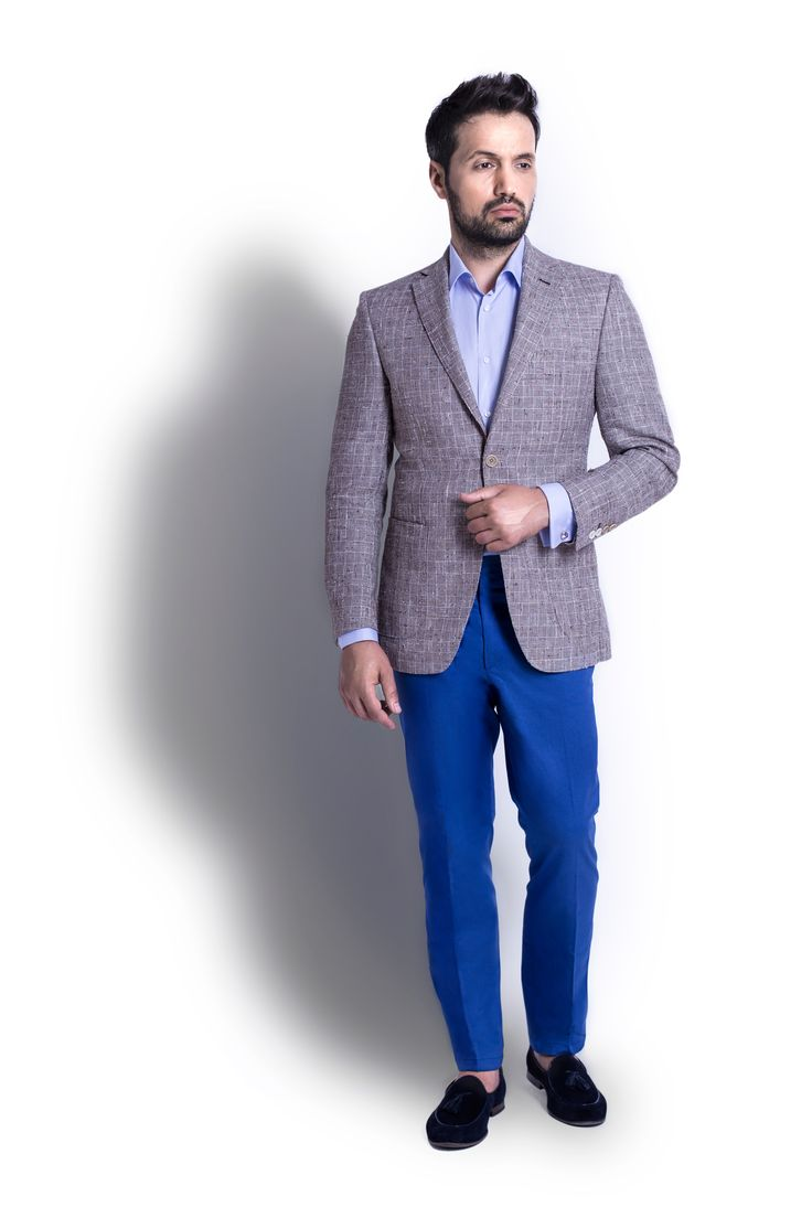 When in need of an outfit between casual and business, perfect for an evening summer event you can always go for an Grey Checkered Jacket plus a mix of Light Blue Shirt with Blue Cotton Trousers. With this outfit you will never go wrong at any summer event or party you are invited to.