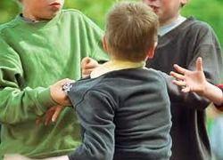 Er is een verband tussen jongens met overgewicht en jongens die laat ontwikkelen dat zij vaker pestgedrag gaan vertonen. Dit komt omdat ze zich vaak onzeker voelen.