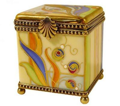 Great inlay of gold, multi-colored leaves, abstract design on a delicate box. Beautiful.