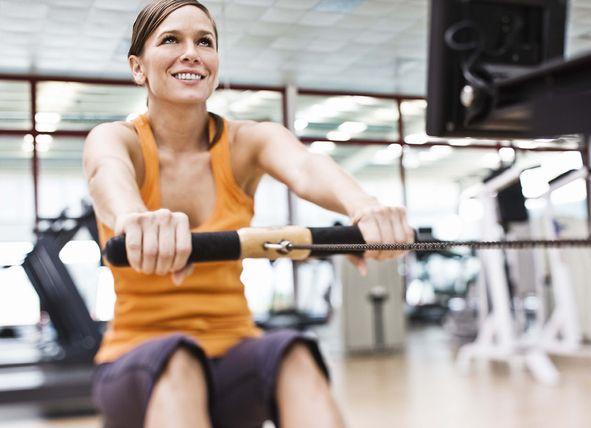 On Fit - En este #gimnasio podrás entrenar y disfrutar de los equipos más modernos para que entrenar sea un placer. ¡Pásalo bien mientras haces deporte en este gimnasio en #sevilla! Aprovecha los descuentos que tenemos para ti en gymadvisor.com