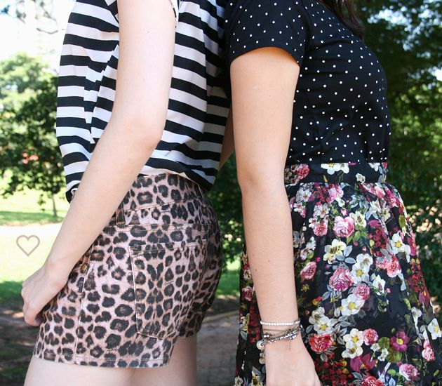 saia floral, camiseta poás preta e branca. listras e oncinha. estampas. animal print, stripes, floral skirt, black and white polka dots. http://simpleness.com.br/