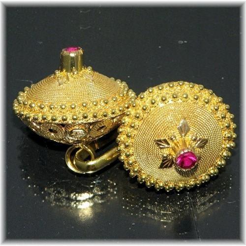 Sardegna gioielli- Beautiful hand-made traditional Sardinian gold earrings.