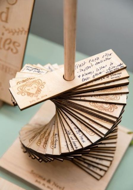 15 Wood Wedding Guest Books You'll Love – #Books #…