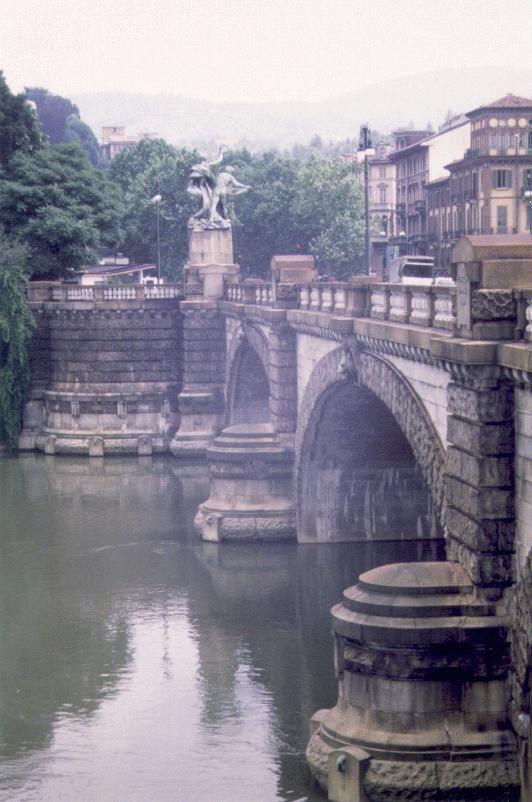 Torino, Ponti & nebbiolina... Learn Italian in Turin www.ciaoitaly-turin.com