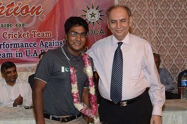 Proff. Ejaz Ahmed Farooqui encouraging Muhammad Kalam