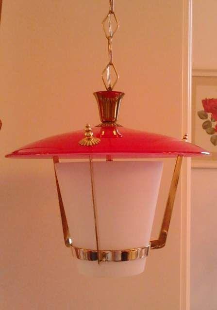 Lampadario Lanterna vintage Stilnovo vetro rosso e opalino