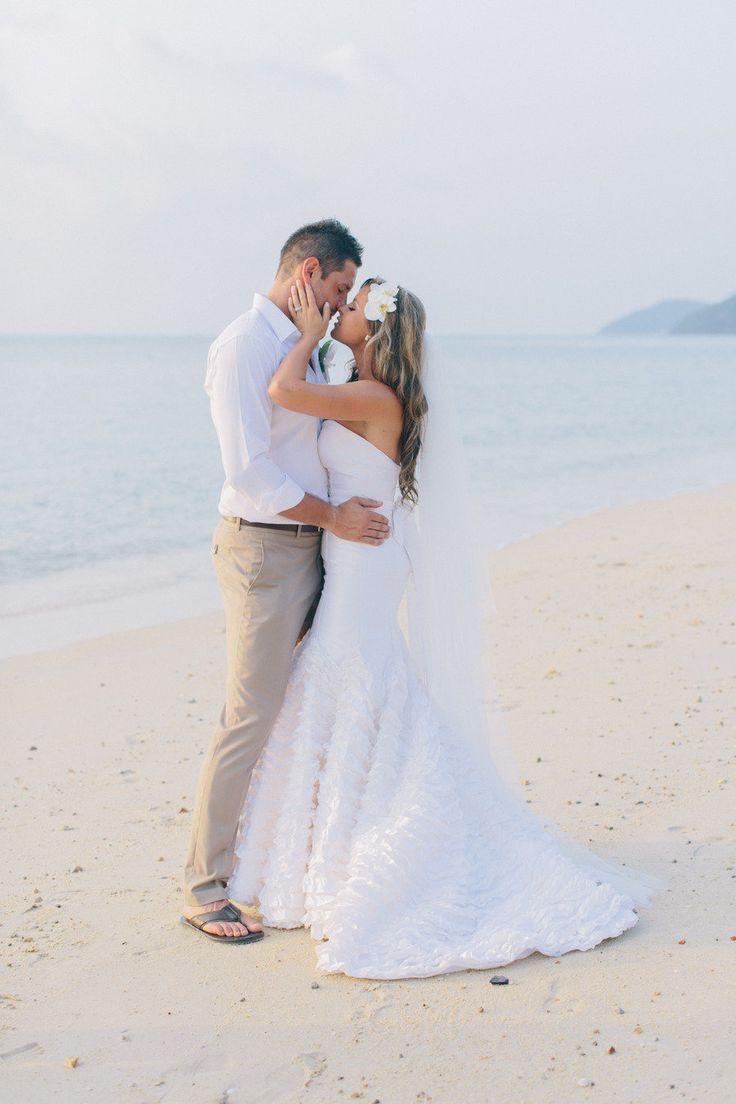 noivo sem terno casamento na praia