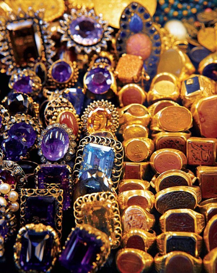 Mavİ Köşe Courtesy of Laziz Hamani for Assouline: Istanbul Grand, Köşe Courtesi, Grand Bazaars Istanbul, Laziz Hamani, Mavis Köşe, Grand Bazaar Istanbul, Clovers Pinboard, Basar Pics, Middle East