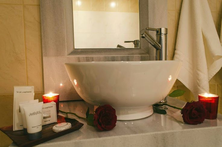 Bathroom - Romance