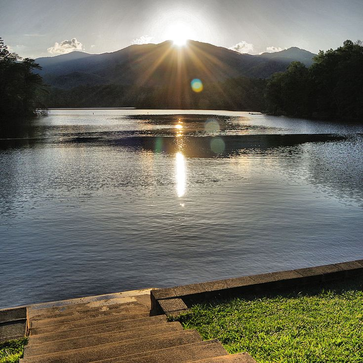 Sunset on Lake Santeetlah in the North Carolina mountains - Nantahala National Forest, Graham County