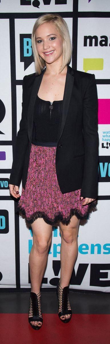Jennifer Lawrence: Skirt – Etro Shoes – Monique Lhuillier