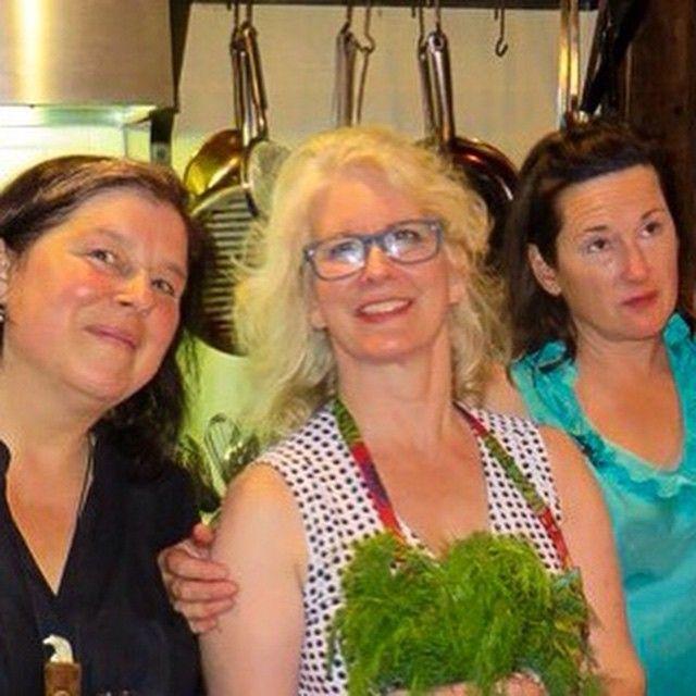 "#PortiaMunson #JenDragon #CatherineHowe open @catherineahowe's ""Supreme Fiction: #Monotypes & Mylar #Paintings"" at Cross #ContemporaryArt #Saugerties #3graces #Hudsonvalley #catskills  #flora #botany #feminism #nyaaMFA @nyacademyofart detail from original photo by David Ebony"