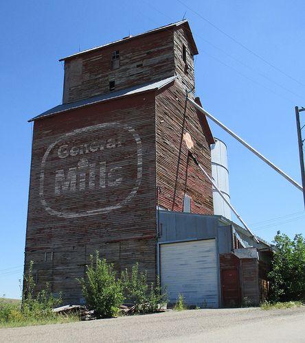 Old General Mills Grain Elevator (Belt, Montana)