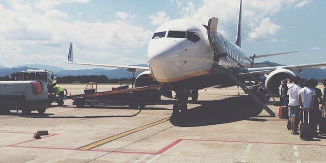 Bagaimana Bila Anda Membatalkan Tiket Penerbangan?