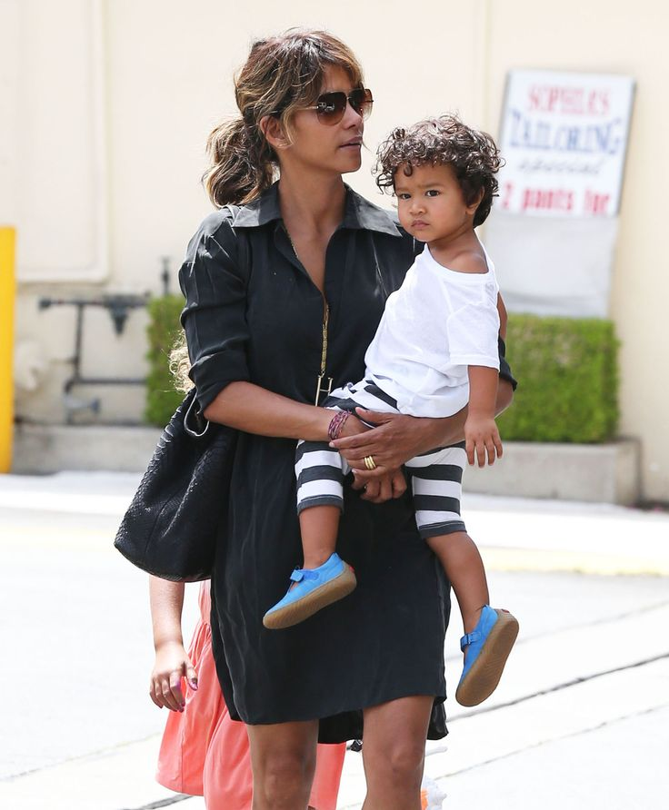 Halle Berry & Kids: Lunch In L.A.