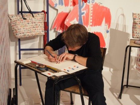 William Grill - Radley Streets Of London - We watch William drawing at the Radley Autumn Winter 2013 press day