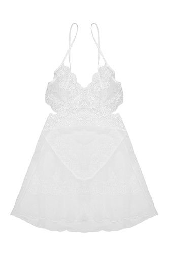 Camisas de noite transparentes cheias de sensualidade, por 94€ na Dama de Copas
