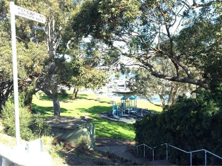 Stairway To Anderson Park Crn Wellington Vista Streets A Small Waterfront Playground That Adjoins St George Motor Boat Club Pack Pic