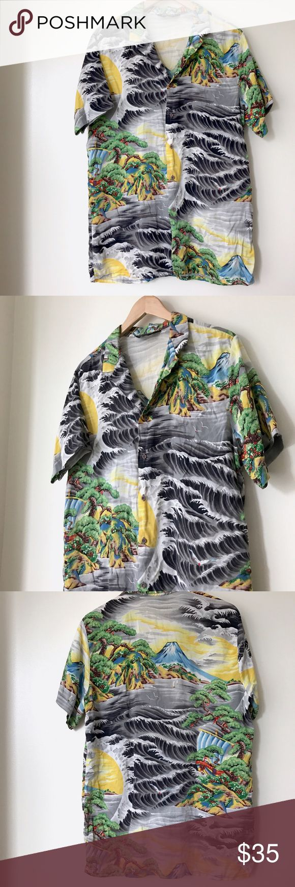Rare 1970's Hutspah Vintage Hawaiian 🌺 Shirt Rare 1970's cotton print Hawaiian shirt by Hutspah. Has a tiny tear but unnoticeable with collar in place. Vintage Shirts Casual Button Down Shirts