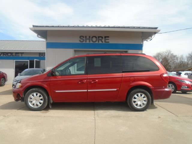 2005 Chrysler Town & Country  - Shore Motor Company